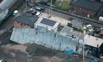 Nhật Bản: Giông lốc thổi bay mái nhà, 3.000 hộ mất điện