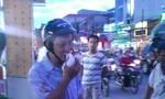 Tài xế taxi đấm gãy mũi người đi xe máy