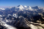 Núi Everest dịch chuyển và đổi hướng vì động đất