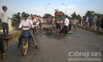 Xe máy đâm trực diện xe đạp, một phụ nữ nguy kịch