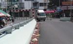 Cầu Ông Buông đầy rác