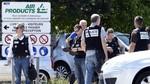 Những kẻ ủng hộ IS chặt đầu người ngay giữa lòng nước Pháp