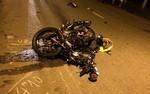 Tai nạn giữa 3 xe máy làm 2 người chết