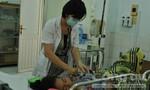 Bé gái suýt mất mạng vì uống phải thuốc trừ sâu
