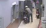 Khổ chủ chạy bộ đuổi theo tên trộm xe máy