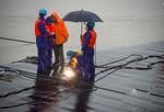 Trung Quốc dồn sức cứu nạn nhân chìm tàu trên sông Dương Tử