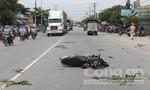 Một người đàn ông bị xe tải kéo lê trên đường chết thảm