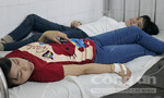 Gần 200 công nhân nhập viện nghi do ngộ độc thực phẩm