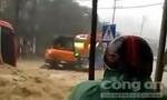 Clip nước lũ chảy xiết khắp các con đường ở Quảng Ninh