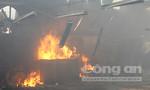 Hàng trăm công nhân bỏ chạy khỏi xưởng gỗ phát hỏa