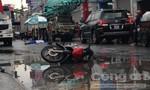 Xe máy va chạm ôtô 4 chỗ, 1 người chết thảm
