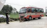 Người đàn ông chết thảm dưới bánh xe buýt