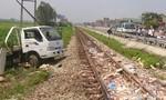 Liên tiếp xảy ra tai nạn tàu hỏa đâm ô-tô