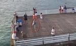 Người câu cá 'tấn công' hạ gục flycam ngay trên không