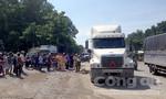 Va chạm xe container, nam thanh niên bị cán chết