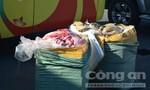 Phát hiện 200 kg nội tạng bò bẩn chuẩn bị đưa sang Lào
