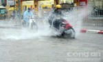 Hạ Long lại ngập trắng nước vì mưa lớn