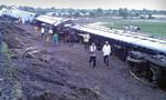 Lật hai tàu lửa do trật đường ray, ít nhất 20 người chết