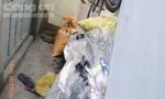 Chiếm dụng hẻm để vật liệu phế thải hôi thối