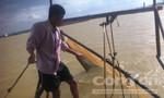 Săn tôm càng xanh trên sông Đồng Nai