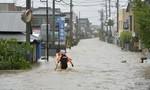 Các tỉnh đông bắc Nhật Bản oằn mình trong mưa lũ