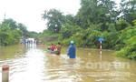 Quảng Trị: Vùng núi bị lũ lụt cô lập, đồng bằng lốc xoáy phá nhà