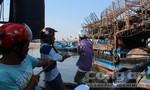 Hàng chục ngư dân thoát chết trên biển nhờ được ứng cứu kịp thời