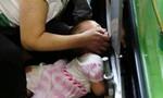 Trung Quốc: Thêm bé gái 3 tuổi bị thang cuốn 'nuốt' tay