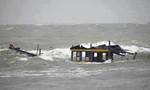 Lật thuyền khi đánh cá trong nước lũ, 1 người tử vong