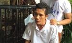 'Hiệp sĩ' bắt kẻ ném bom xăng vào nhà người dân