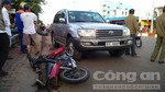 Ô tô gây tai nạn liên hoàn khiến 4 người bị thương