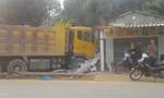 Nam thanh niên đang trong tiệm hớt tóc, xe tải lao vào cán chết tại chỗ