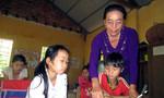 Bà giáo già 30 năm 'cắm bản' dạy học bằng nhiệt huyết của tuổi đôi mươi