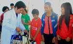 Tặng quà Tết cho đồng bào nghèo ở huyện Cần Giờ
