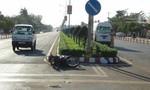 Xe cấp cứu tông xe máy, hai người thương vong