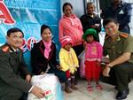 Hơn 1500 phần quà đến với bà con nghèo vui xuân đón Tết