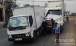 """Container nát đầu sau khi """"hôn"""" vào đuôi xe tải"""