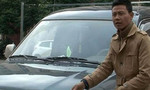 Tài xế táo tợn giật biên bản vi phạm, lái xe bỏ đi 30km khi cảnh sát đang ở trên nắp capo