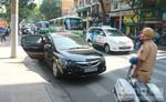 CSGT xử phạt xe ô tô dừng đỗ sai quy định ở trung tâm Sài Gòn