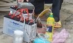 Nam thanh niên sử dụng hóa chất Trung Quốc đánh bắt hải sản