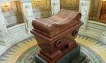 Khám phá lăng mộ của Napoléon ở Bảo tàng quân đội Pháp Les Invalides