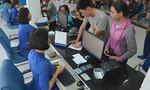 Ga Sài Gòn 'dễ thở' trong ngày đầu bán vé tàu Tết
