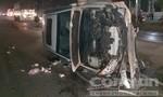 Va chạm xe tải, ô tô con lật nhào, tài xế thoát chết