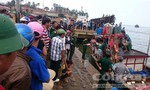 Chìm tàu gần đảo Cồn Cỏ, hơn 30 người gặp nạn