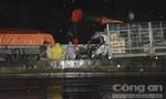Xe tải tông nhau, tài xế và phụ xe chết trong ca bin