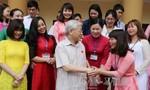 Tổng Bí thư Nguyễn Phú Trọng tiếp xúc cử tri quận Tây Hồ