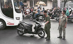Nam thanh niên bị chém đứt gần lìa tay ở trung tâm Sài Gòn