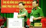 Công an Lâm Đồng quyên góp ủng hộ đồng bào lũ lụt ở miền Trung