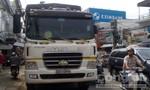 Tránh xe tải đậu bên đường, một người đàn ông bị tông chết thảm