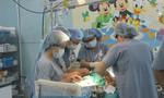 TP.HCM: Xúc động người cha 38 tuổi hiến gan cứu con trai 13 tháng tuổi